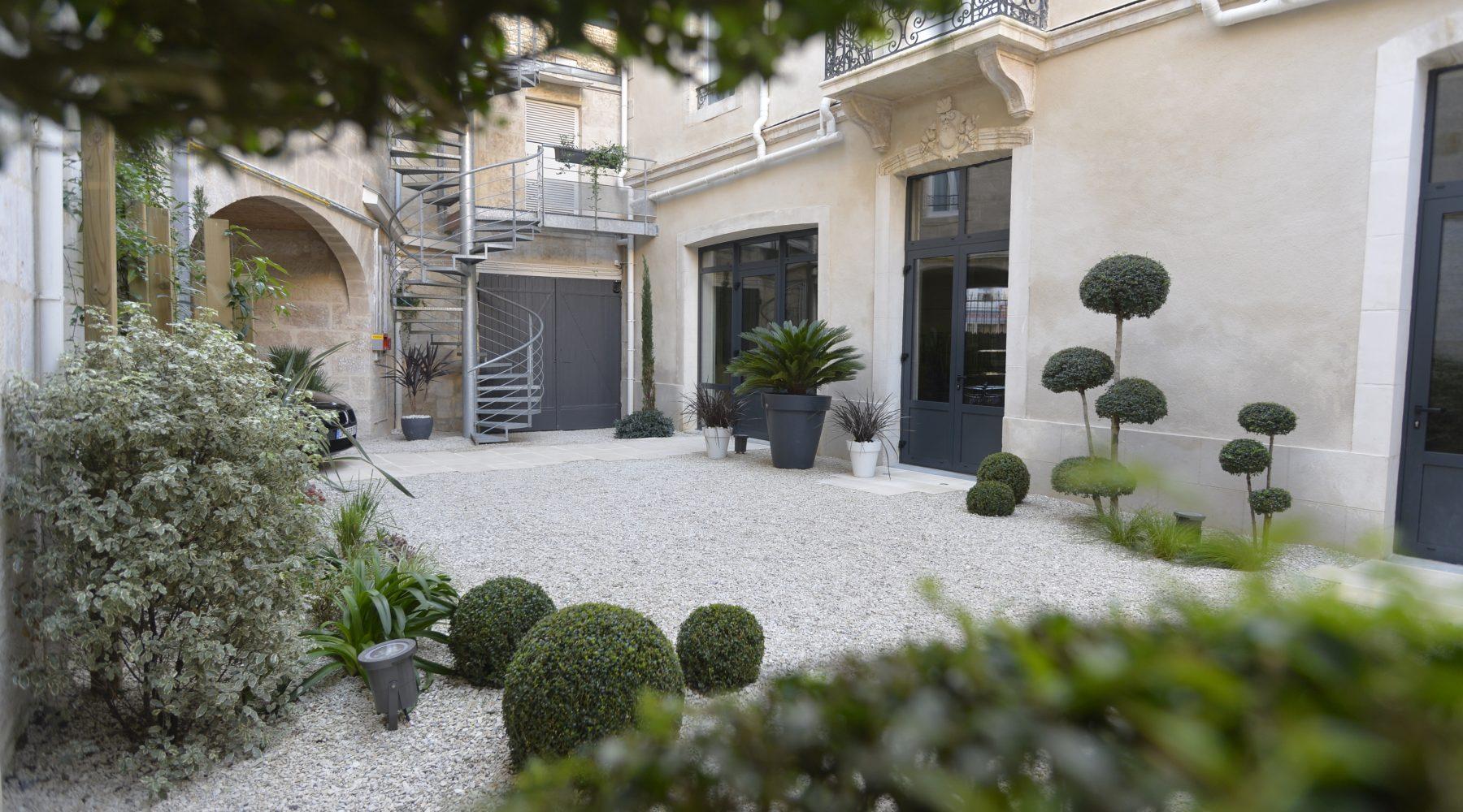 Jardin de l'hôtel France Hôtel